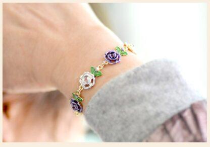 Modeled Painted Flower Metal Braclet Chain